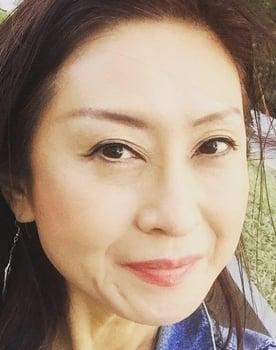 Yumi Yoshiyuki Photo