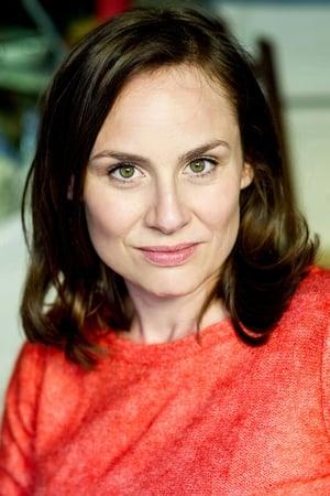 Daniela Holtz isBaroness Louise Lehzen