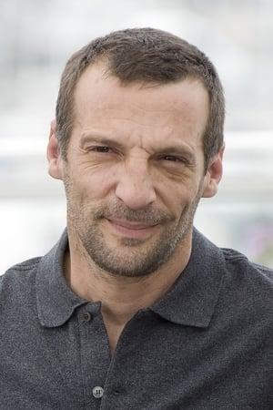 Mathieu Kassovitz isStuder