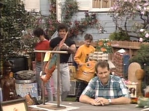 Married with Children S04E23 – Yard Sale poster