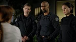 Online S.W.A.T.: Los hombres de Harrelson Temporada 1 Episodio 8 ver episodio online Episode 8