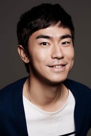 Lee Si-eon isPark Soo-bong