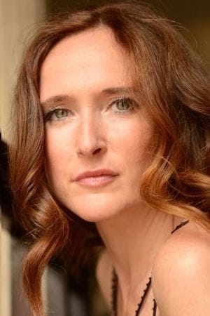 Deborah Kaufmann isRégina Tiedemann
