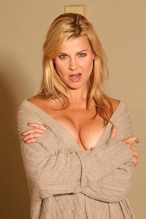 Amy Lindsay isHolly Reese