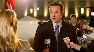 Acum vezi Episodul 3 Murder in the First episodul HD