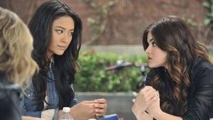 Pretty Little Liars Season 2 Episode 17