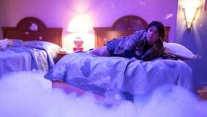 Room 104 4. Sezon 7. Bölüm (Türkçe Dublaj) izle