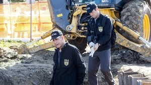 NCIS: New Orleans Season 2 Episode 16