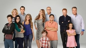 Modern Family, Season 9 picture