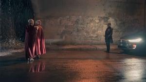 The Handmaid's Tale : La Servante écarlate saison 2 episode 13