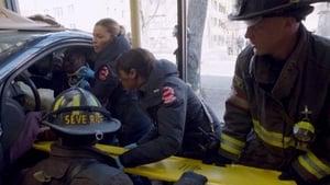 Chicago Fire S01E21 – Retaliation Hit poster