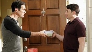 Modern Family Season 4 :Episode 8  Mistery Date