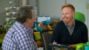 Modern Family Season 9 : Episode 22