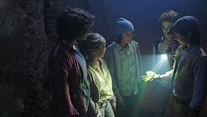 Los cinco y el misterio de la joya (2013)