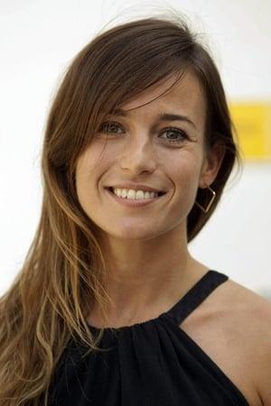 Marta Etura  isSimone