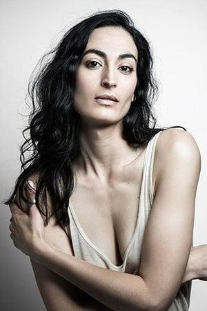 Laëtitia Eïdo isDr. Shirin El Abed