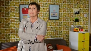 EastEnders Season 32 : Episode 74