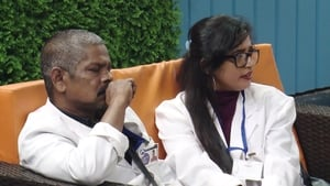 Bigg Boss Season 1 :Episode 52  Day 51: Suresh, Pearle in a Tight Spot!
