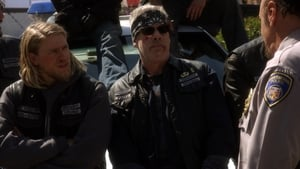 Sons of Anarchy 2×13
