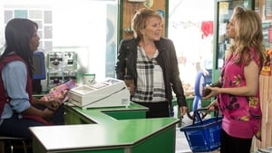 EastEnders Season 32 : Episode 111