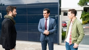 Modern Family Season 10 Episode 16