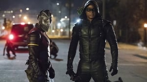 Arrow - Familia episodio 3 online