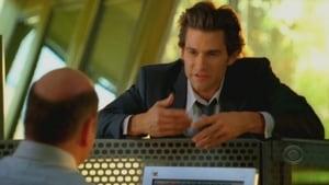 Online CSI: Miami Temporada 5 Episodio 24 ver episodio online Nacido para Matar