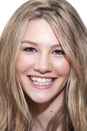Sofia Hublitz isCharlotte Byrde