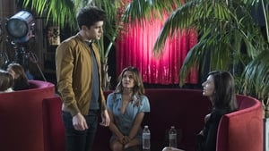 Famous in Love 2×6