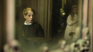 The Little Stranger (2018), film online subtitrat in Romana