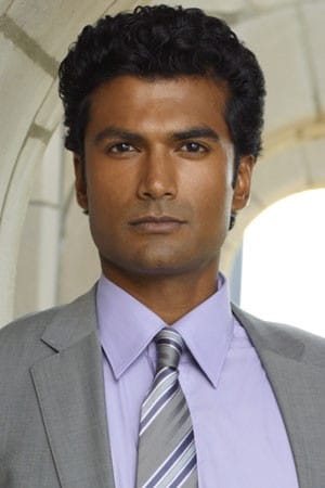 Sendhil Ramamurthy is