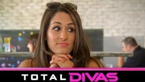 Total Divas: 3×1