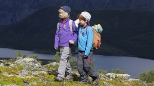 مشاهدة فيلم Casper and Emma Go Hiking مترجم