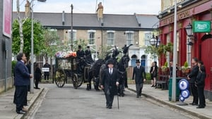 Now you watch episode 04/07/2016 - EastEnders