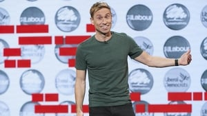 The Russell Howard Hour: 3×2