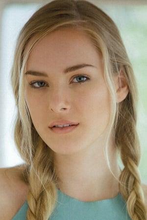 Emma Bellomy isDollface
