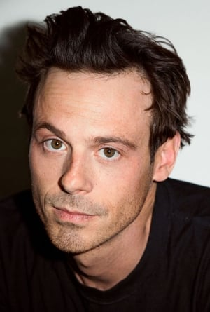 Scoot McNairy isTom Purcell