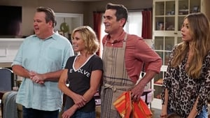 Modern Family Season 7 Episode 1