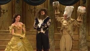 Seriale HD subtitrate in Romana Sâmbătă noaptea în direct Sezonul 35 Episodul 4 Gerard Butler / Shakira