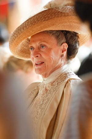 Maggie Smith isMuriel Donnelly
