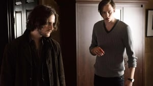 Vizualizeaza Dire Night on the Worm Moon Online Hemlock Grove 3x8 online subtitrat in Limba romana