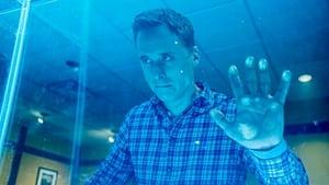 Resident Alien Season 1 : The Green Glow