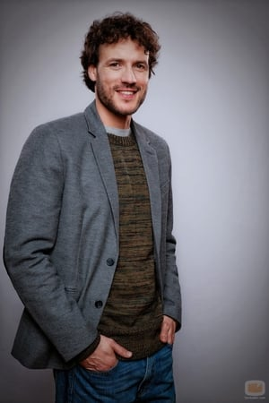 Daniel Grao isDr. Román