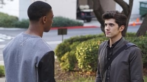 Famous in Love 1×1