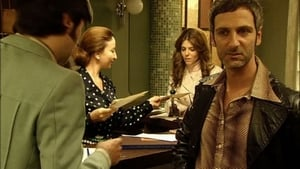 Episodio HD Online La chica de ayer Temporada 1 E2 La mujer del vestido de rojo