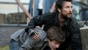 Episodio HD Online Falling Skies Temporada 1 E10 Ocho horas