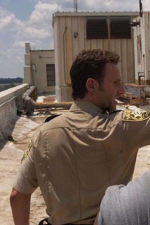 The Walking Dead Season 1 Episode 4 – Vatos (2010)