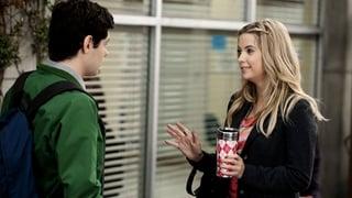 is Ezra dating aria in het echte leven Wie is Hazel e dating nu