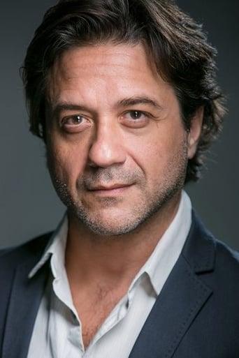 Image of Enrique Arce