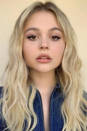 Image of Emily Alyn Lind